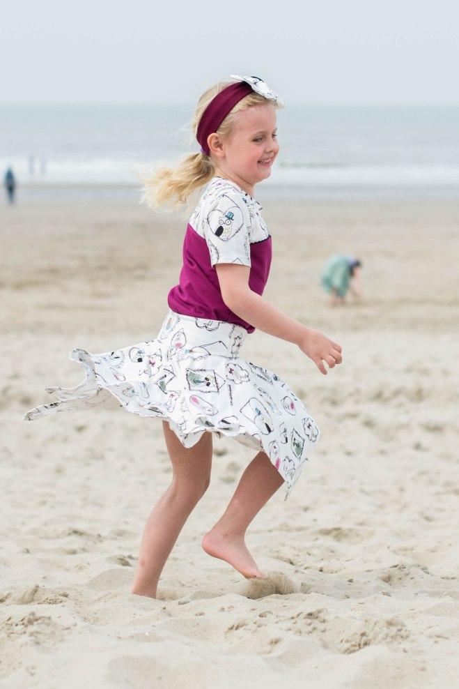 Hanne Jersey skirt & discoverer tee-0342